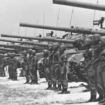 Flickr_-_Government_Press_Office_GPO_-_Israeli_Armoured_Unit-777x437